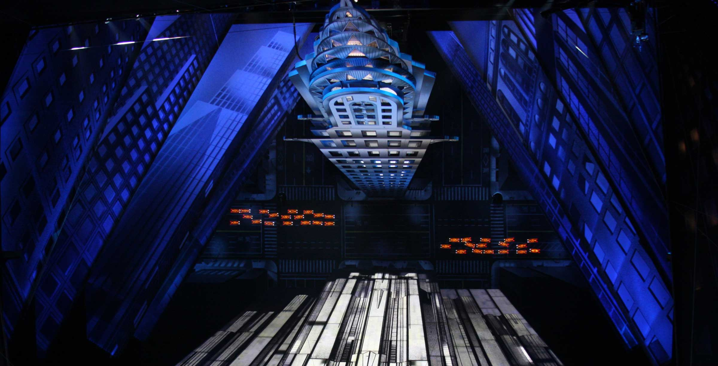 Set and lighting design from Spiderman
